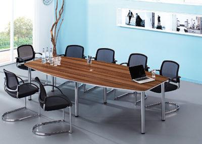 Konferenztisch by famos im Geschäft