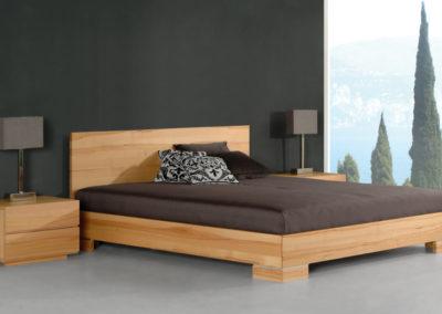 Bett in gradlinigem Design