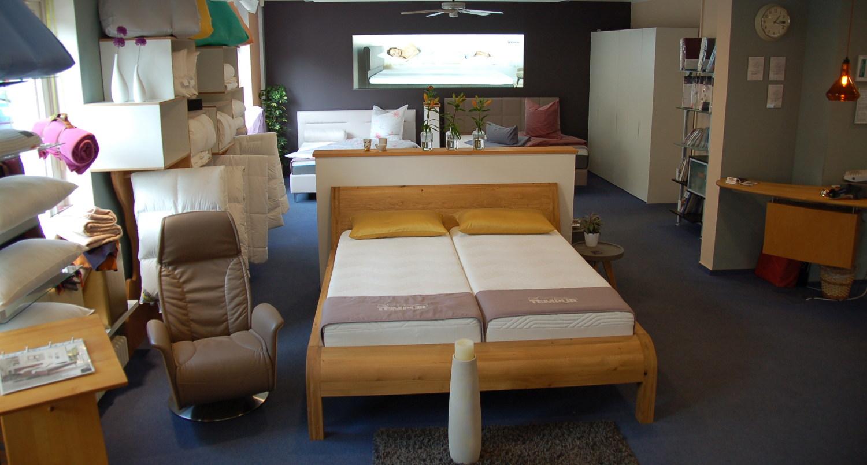 Schöne Betten und bequem Matratzen im Geschäft bei famos.